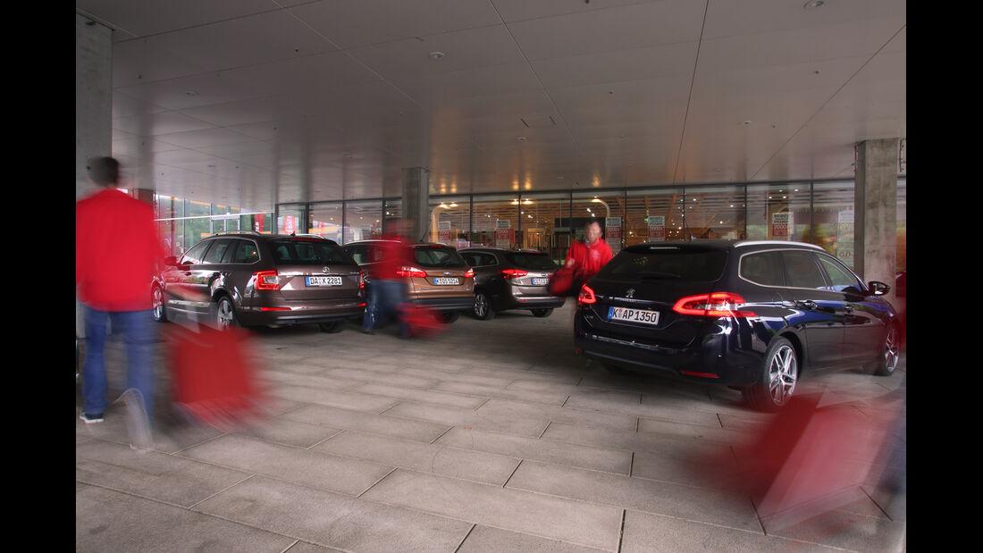 Ford Focus Turnier, Kia Cee'd SW, Peugeot 308 SW, Skoda Octavia Combi, Heckansicht