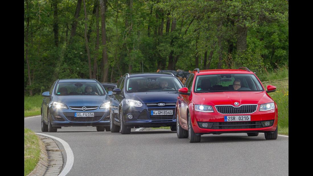 Ford Focus Turnier, Opel Astra Sports Tourer, Skoda Octavia Combi, Frontansicht