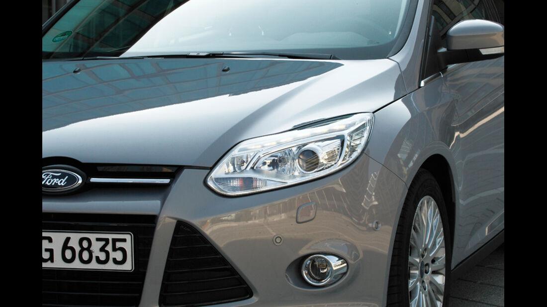 Ford Focus Turnier, Scheinwerfer