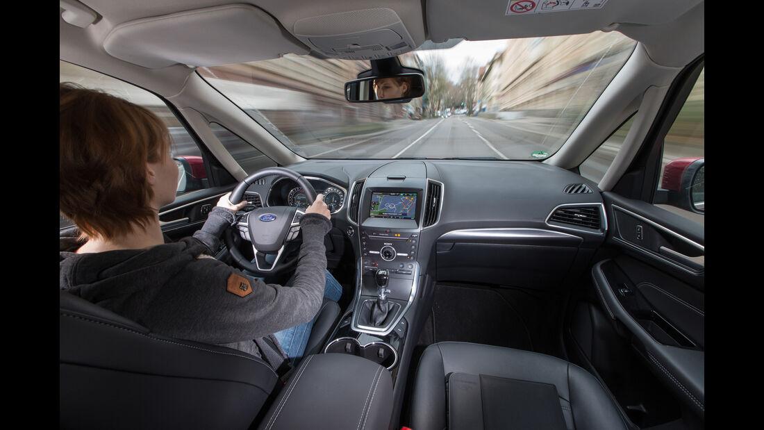 Ford Galaxy 1.5 Ecoboost, Cockpit, Fahrersicht