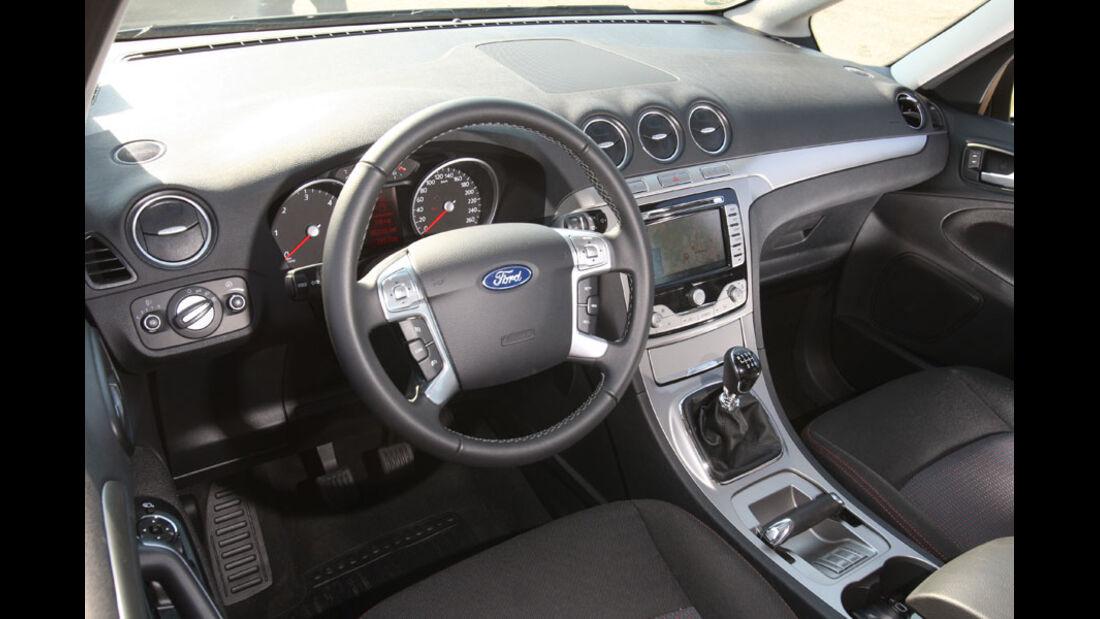 Ford Galaxy 2.0 TDCi, Cockpit
