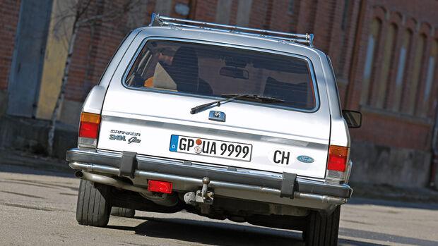 Ford Granada 2.8i Ghia Turnier, Heckansicht