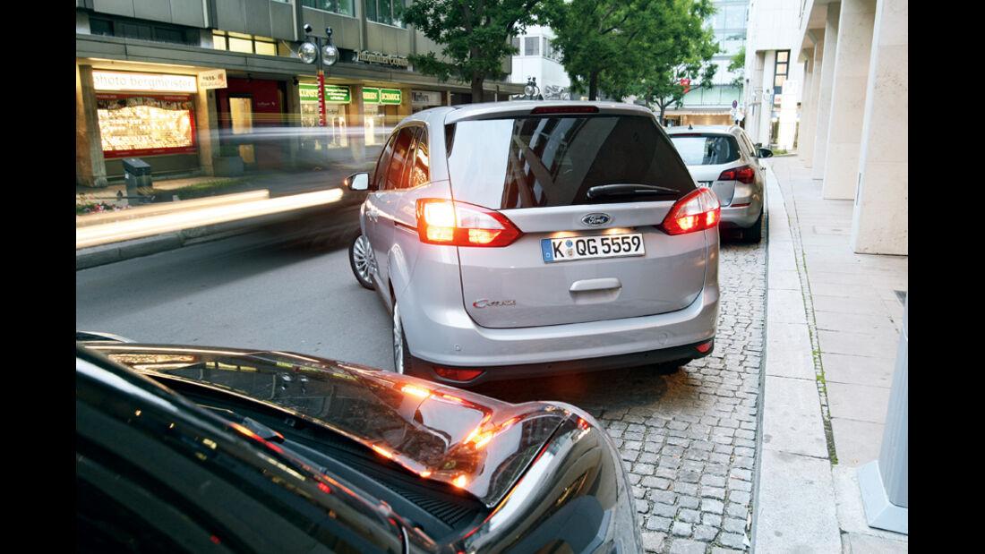 Ford Grand C-Max 2.0 TDCi, Heck, Einparken