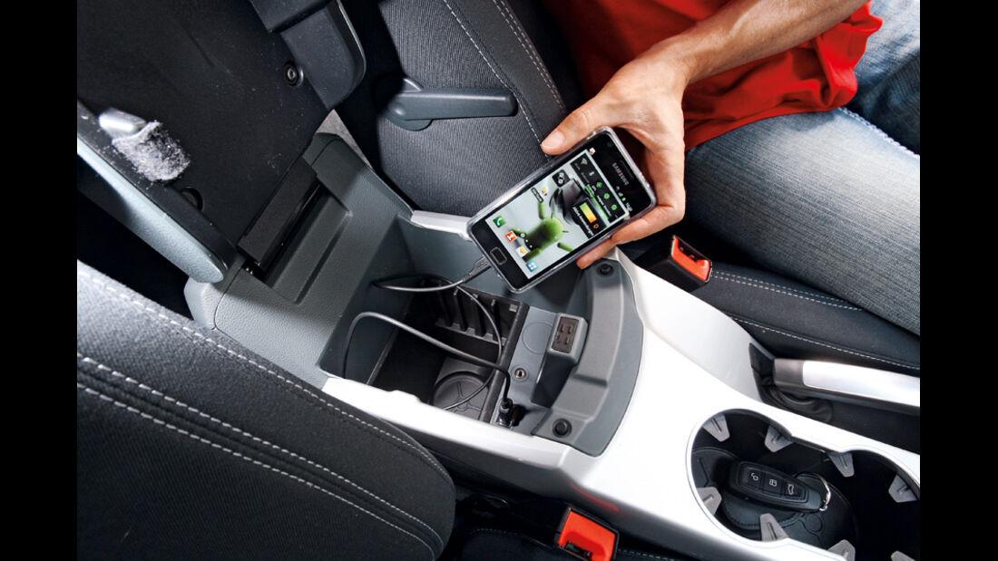 Ford Grand C-Max 2.0 TDCi, Multi-Media