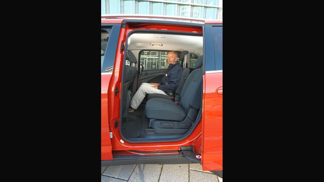 Ford Grand C-Max, Rücksitz, Beinfreiheit