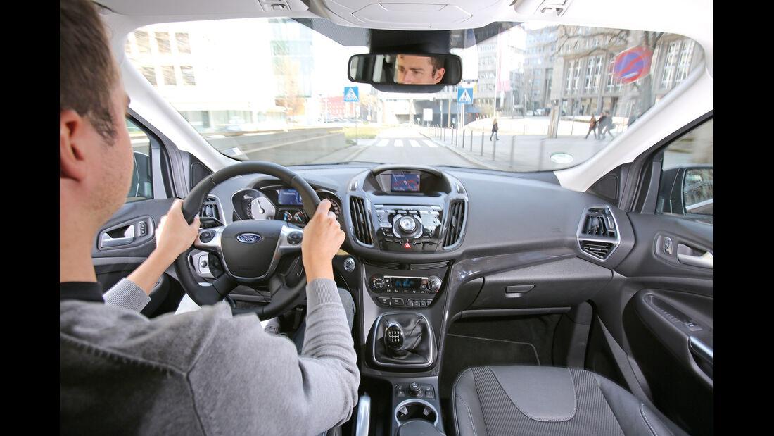 Ford Kuga 2.0 TDCi 4x4, Cockpit, Fahrer