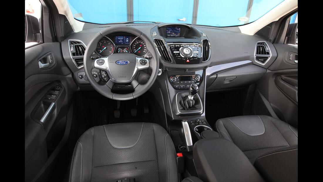 Ford Kuga 2.0 TDCi 4x4, Cockpit, Lenkrad