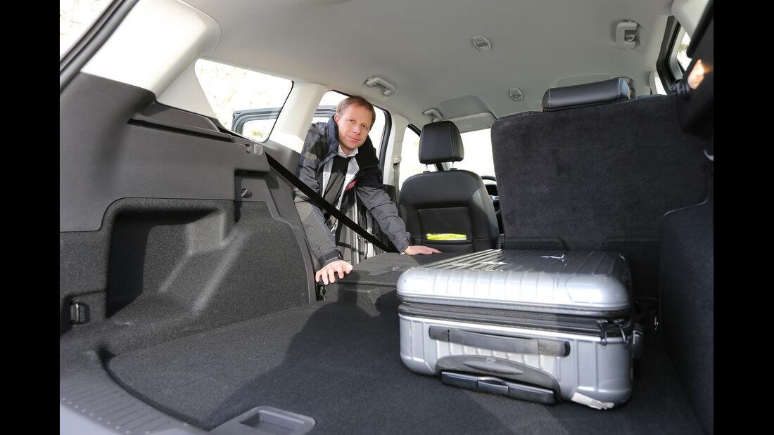 Ford Kuga 2.0 TDCi 4x4, Rücksitz, umklappen