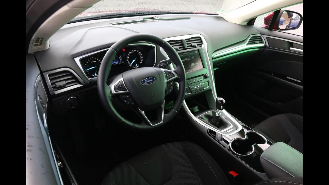 Ford Mondeo 1.0 Ecoboost, Cockpit