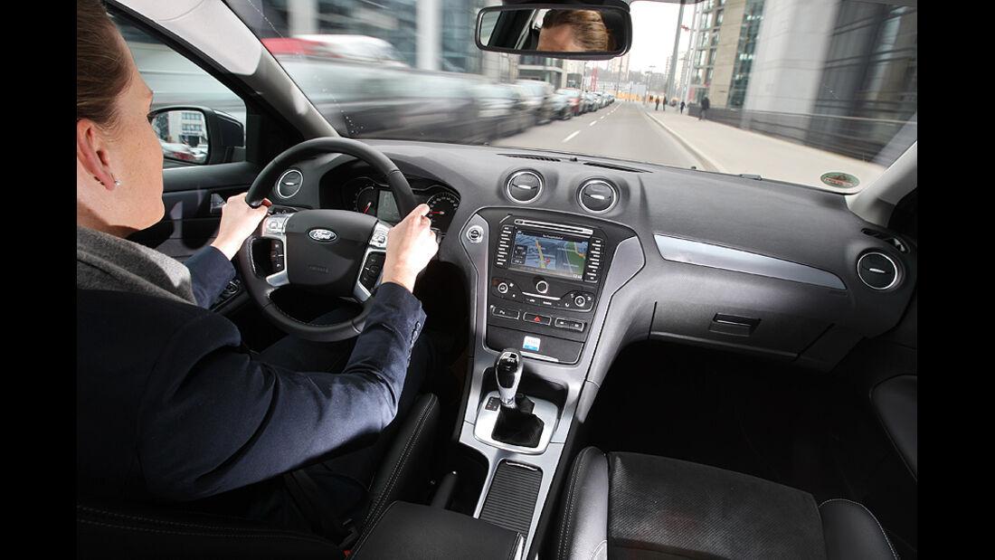 Ford Mondeo 2.0 SCTi, Cockpit