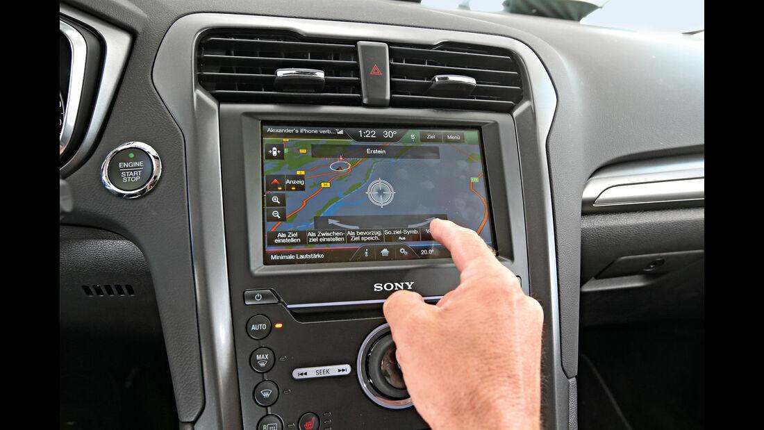 Ford Mondeo 2.0 TDCI, Navi, Bildschirm