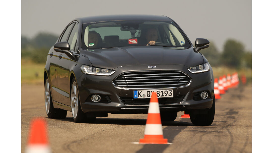Ford Mondeo 2.0 TDCI, Slalom, Frontansicht