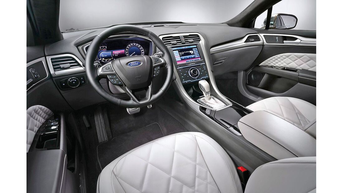 Ford Mondeo 2014, Cockpit