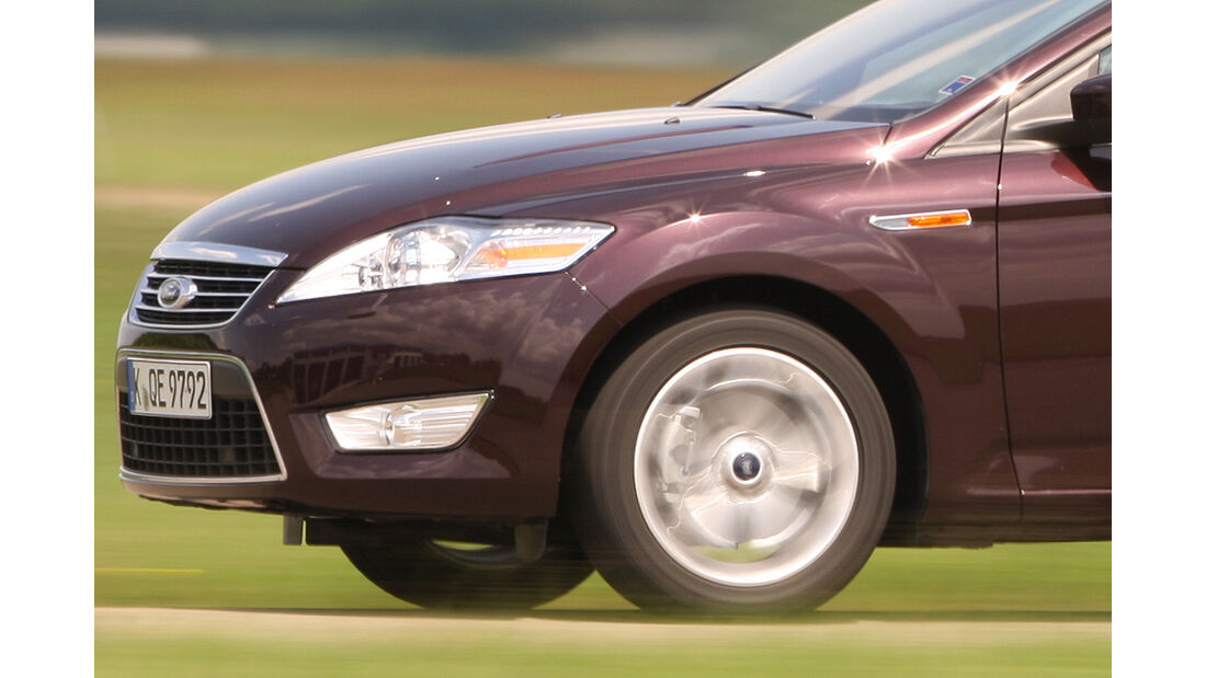 Ford Mondeo Turnier 2.0 Eco-Boost SCTi, Scheinwerfer