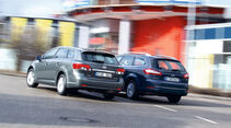 Ford Mondeo Turnier 2.0 TDCi, Toyota Avensis Combi 2.0 D-4D, Heck