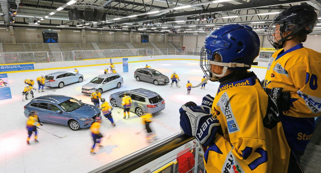 Ford Mondeo Turnier 2.2 TDCI, Honda Accord Tourer 2.2i-DTEC, Mazda 6 Kombi 2.2i D, Opel Insignia Sports Tourer 2.0 BiTurbo, VW Passat 2.0 TDI BMT, von oben, Eishalle