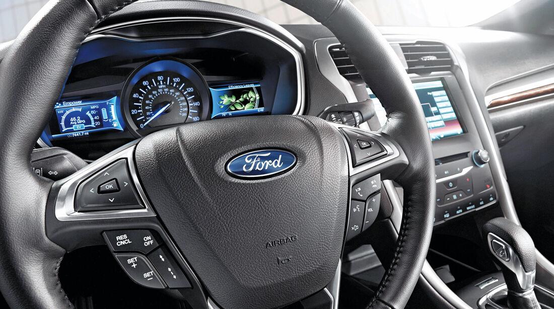 Ford Mondeo Turnier, Cockpit, Lenkrad