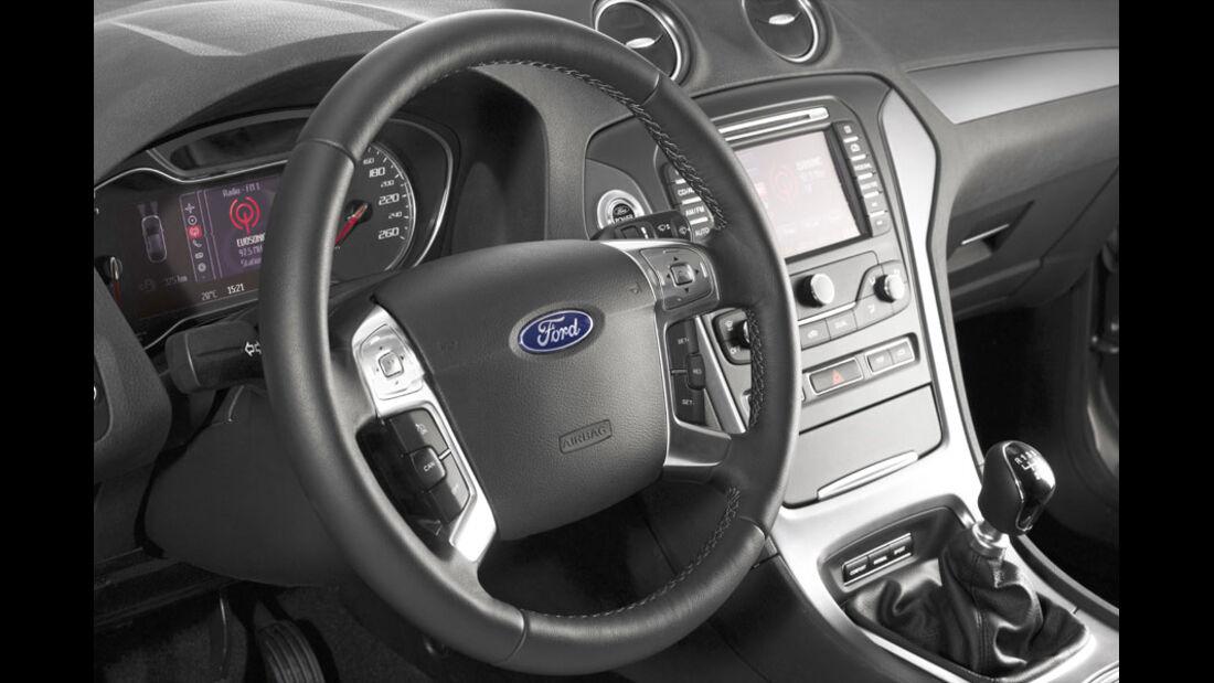 Ford Mondeo Turnier, Innenraum, Cockpit