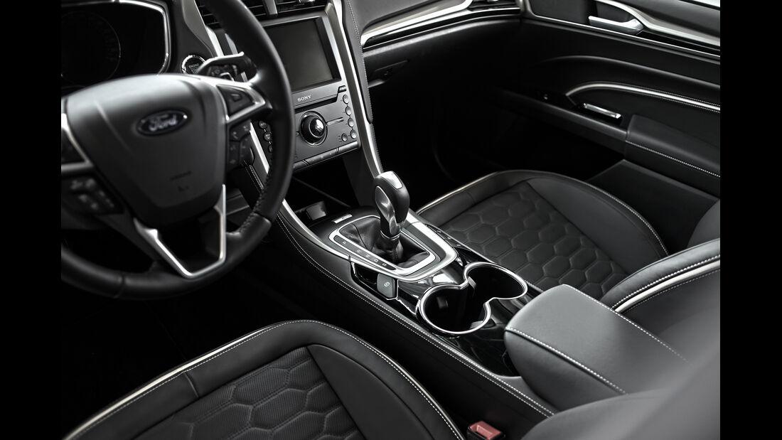 Ford Mondeo Vignale, Cockpit