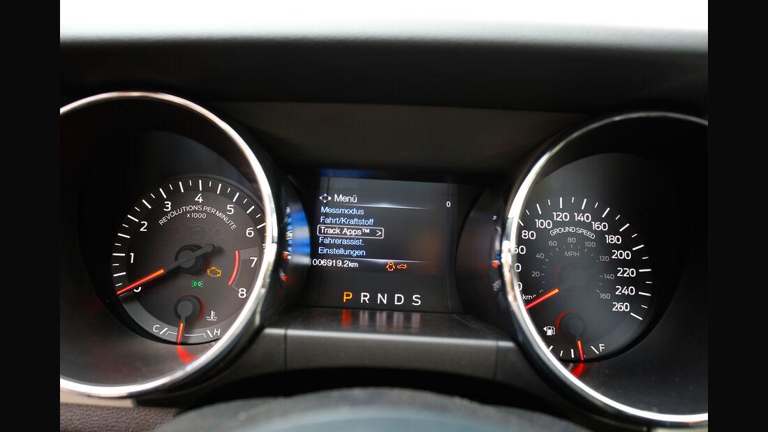 Ford Mustang 2.3 Ecoboost Fastback, Rundinstrumente