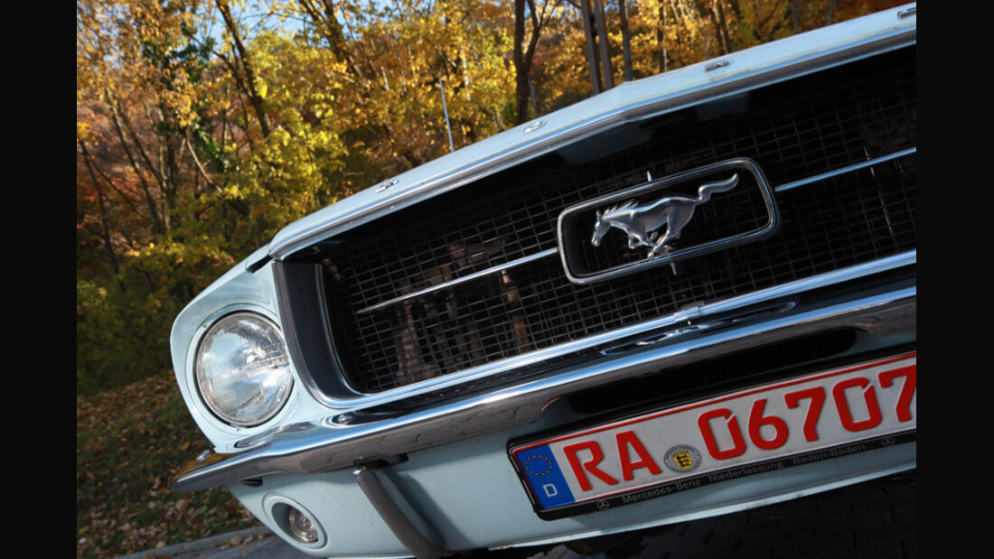 Ford Mustang 289 Convertible, Frontlichter, Detail