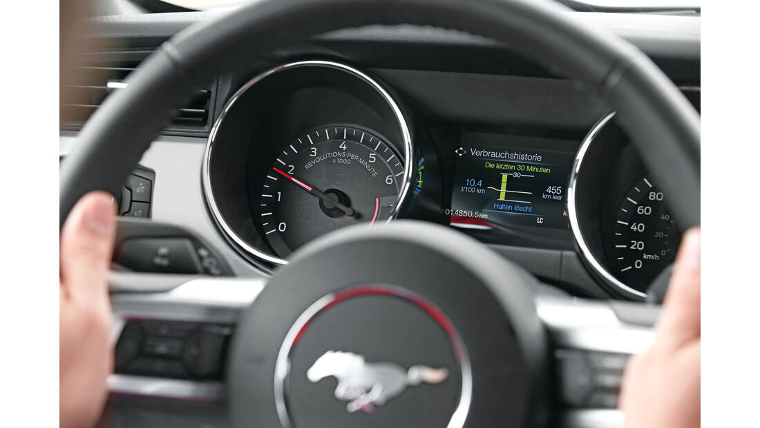 Ford Mustang 5.0 Ti-VCT V8, Rundinstrumente