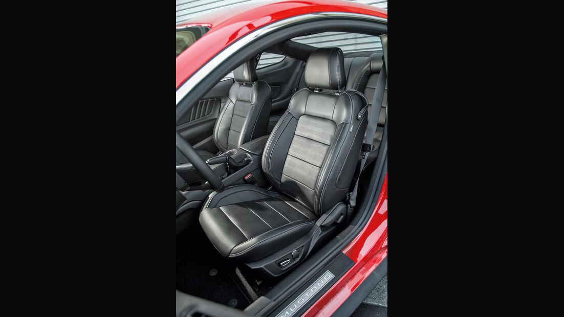 Ford Mustang 5.0 V8, Fahrersitz