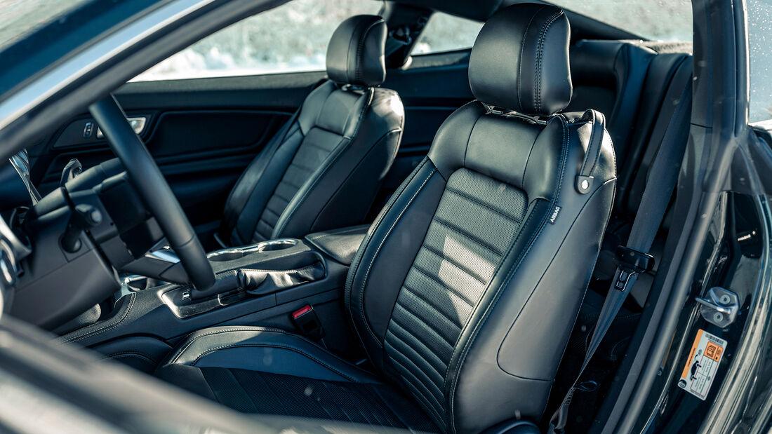 Ford Mustang Bullitt, Interieur