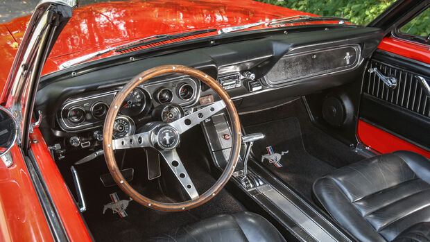 Ford Mustang Convertible, (1964-1973), Innenraum, Cockpit