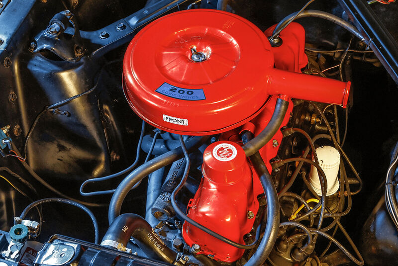Ford Mustang Convertible, (1964-1973), Motor