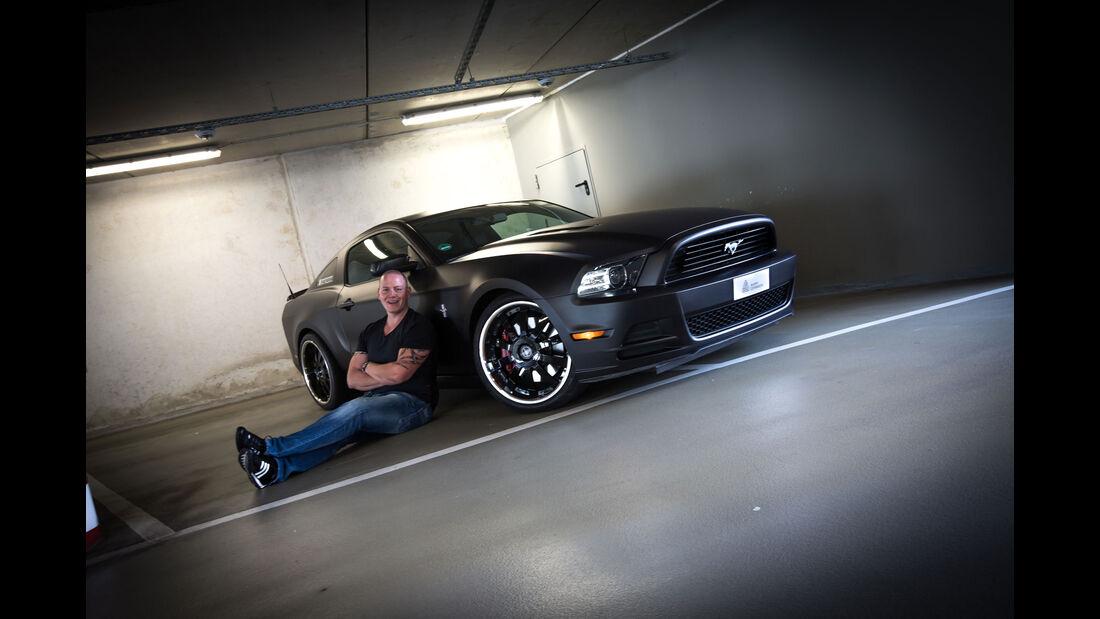 Ford Mustang GT 5.0 - Modelljahr 2013 - Torsten Meyer - Grafik-Künstler Rene Turrek - Effektlack