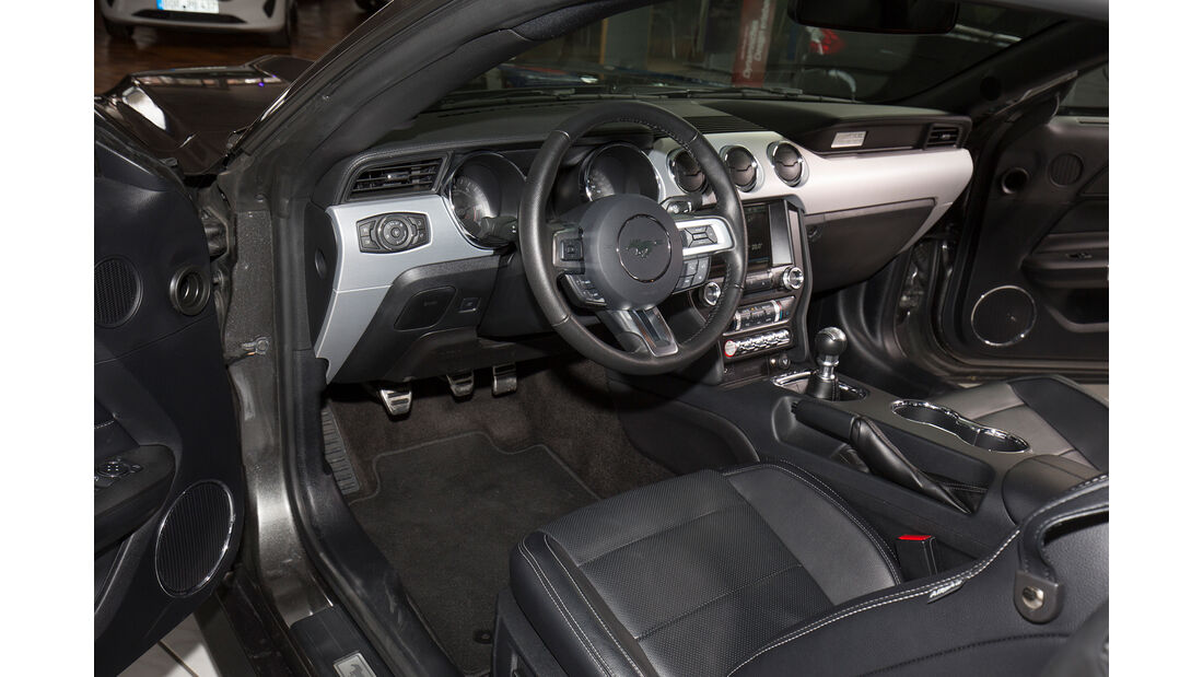 Ford Mustang GT Coupe?, Interieur