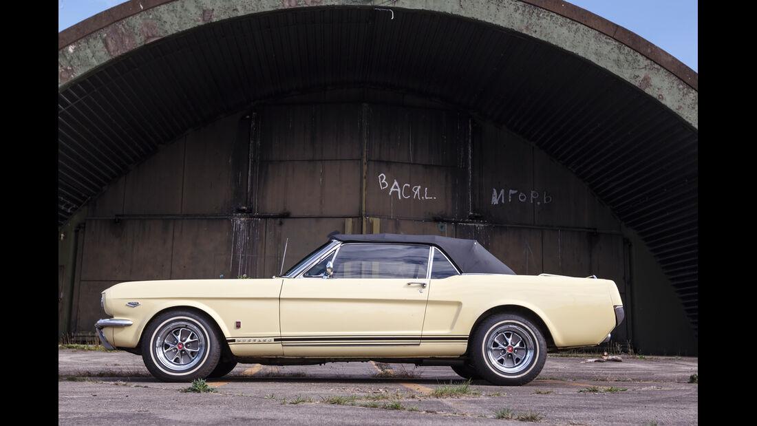 Ford Mustang GT V8 Cabrio, Seitenansicht