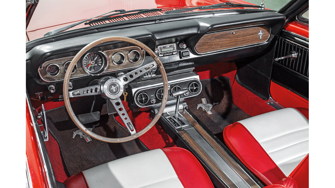 Ford Mustang I, Cockpit