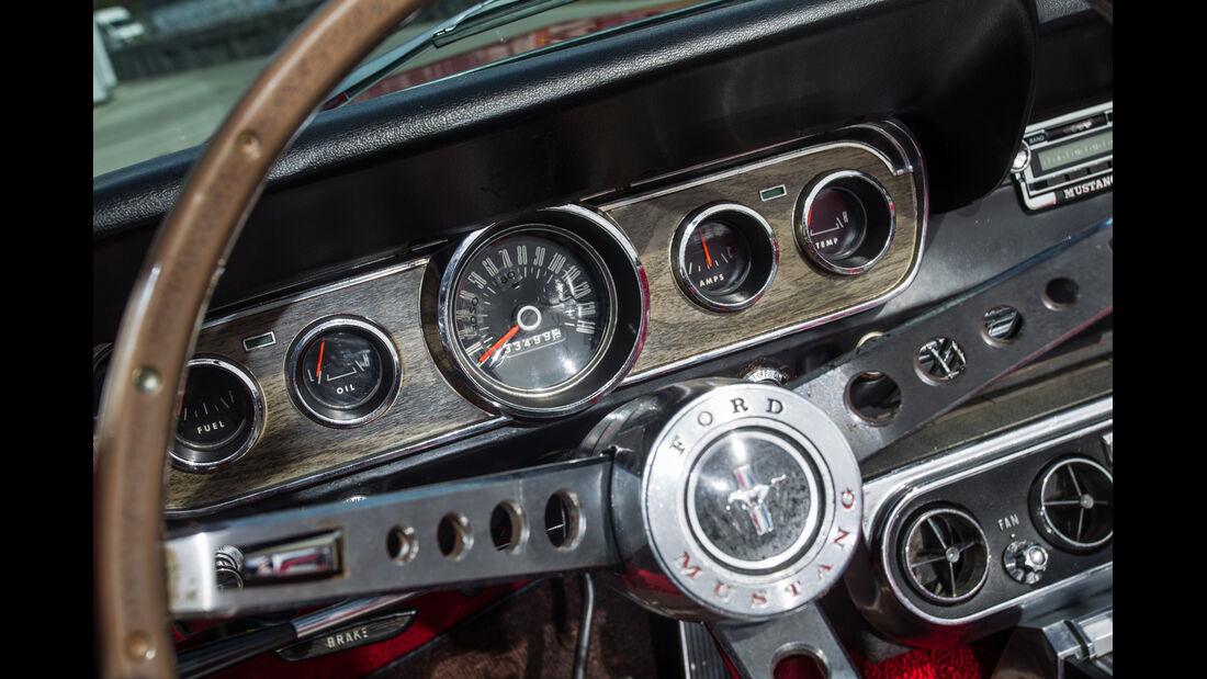 Ford Mustang I, Rundinstrumente