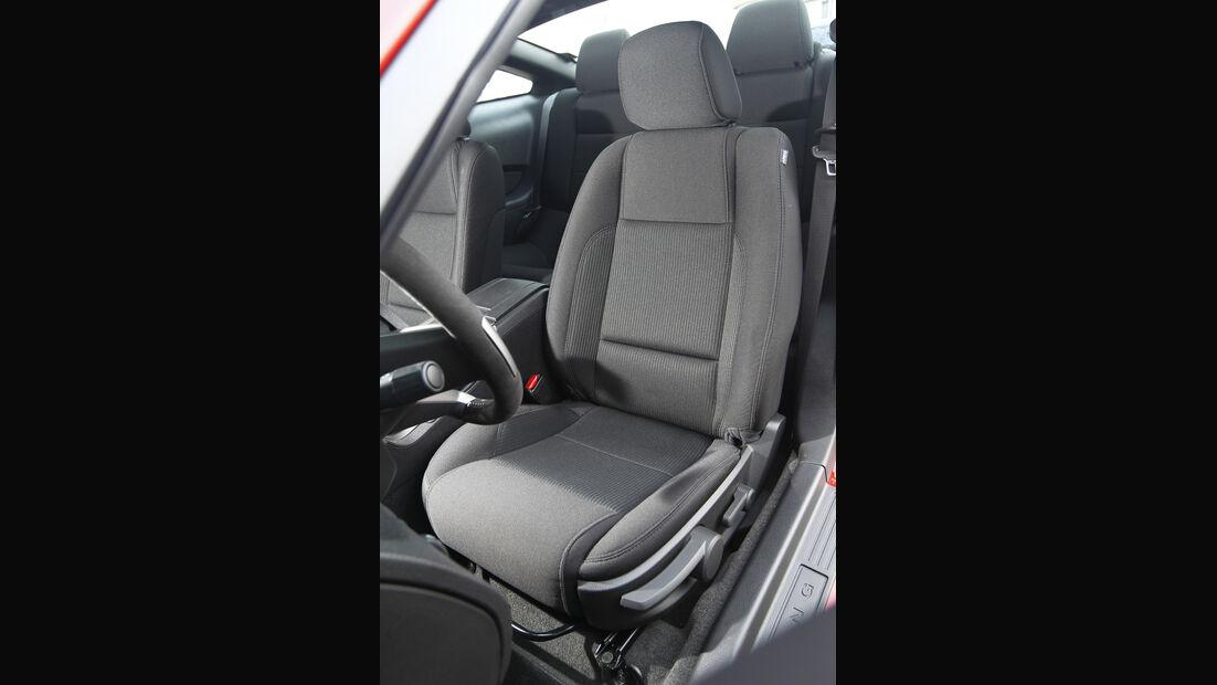 Ford Mustang RTR,  Fahrersitz
