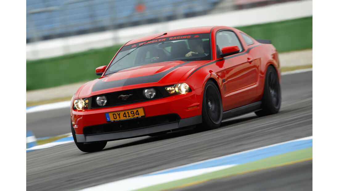 Ford Mustang RTR, Front