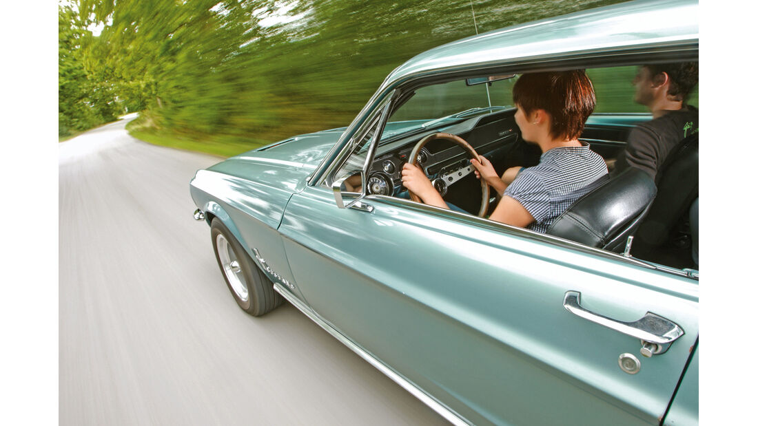 Ford Mustang, Seitenlinie