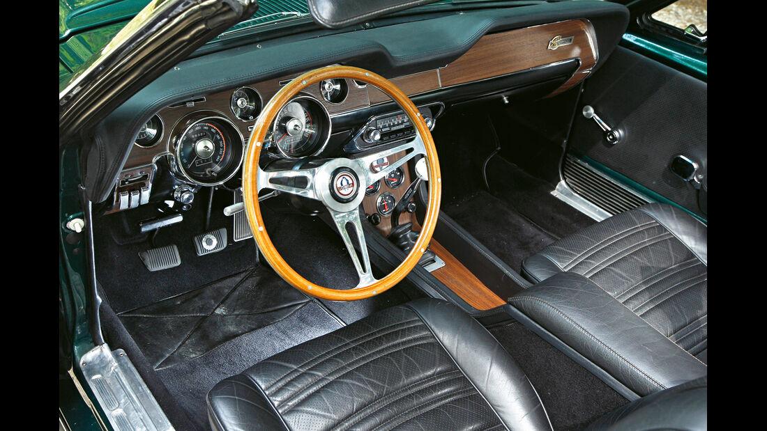Ford Mustang Shelby GT 500, Cockpit, Lenkrad