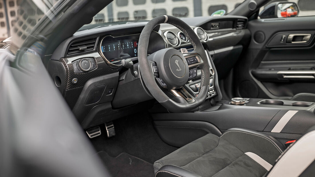 Ford Mustang Shelby GT500, Interieur
