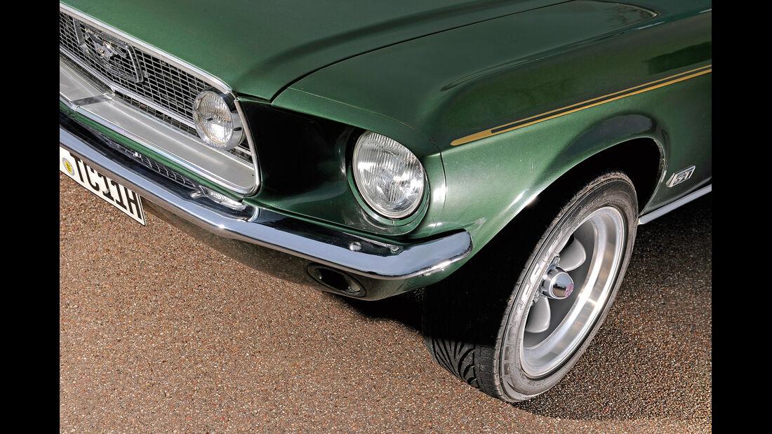 Ford Mustang V8, Frontscheinwerfer
