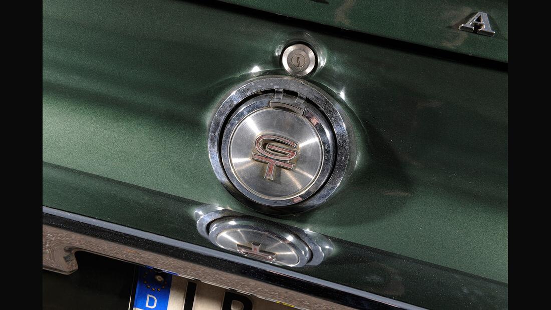 Ford Mustang V8, Kofferraumknopf