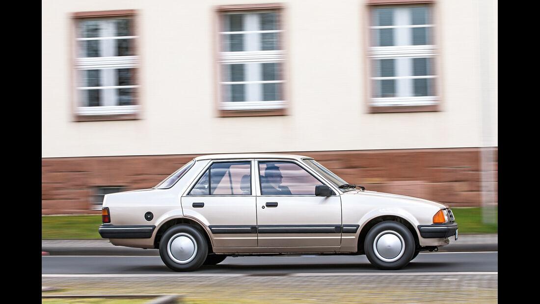 Ford Orion 1.6 GL, Seitenansicht