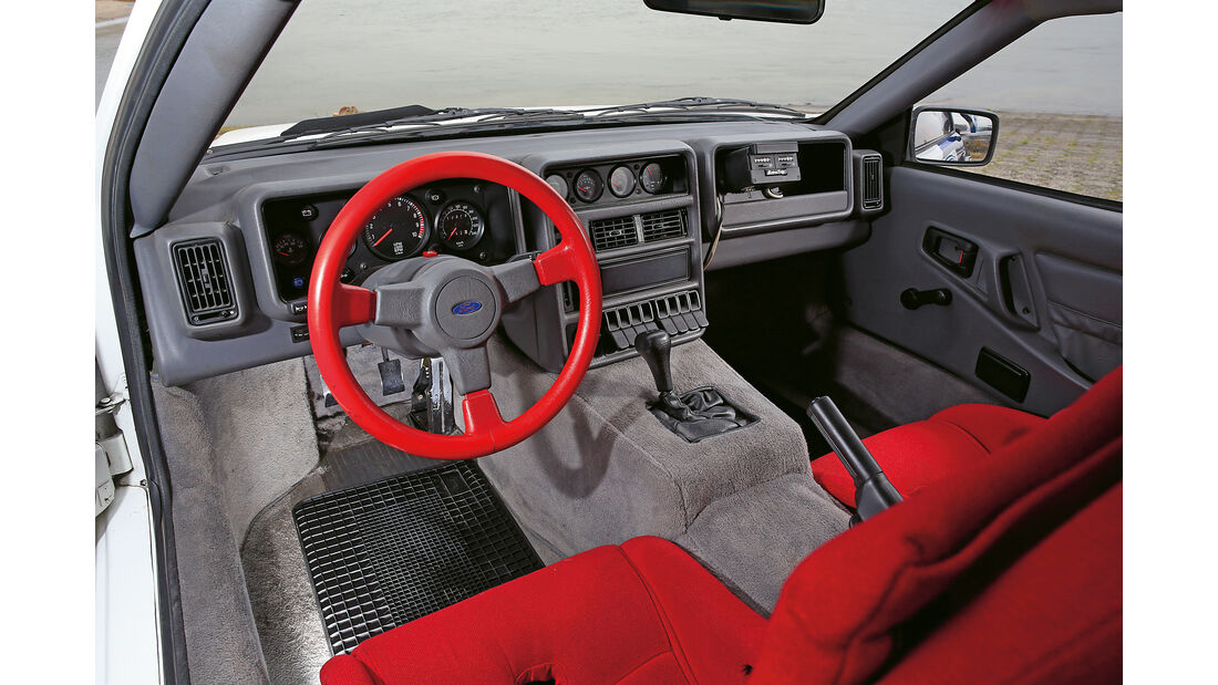 Ford RS200,  Cockpit