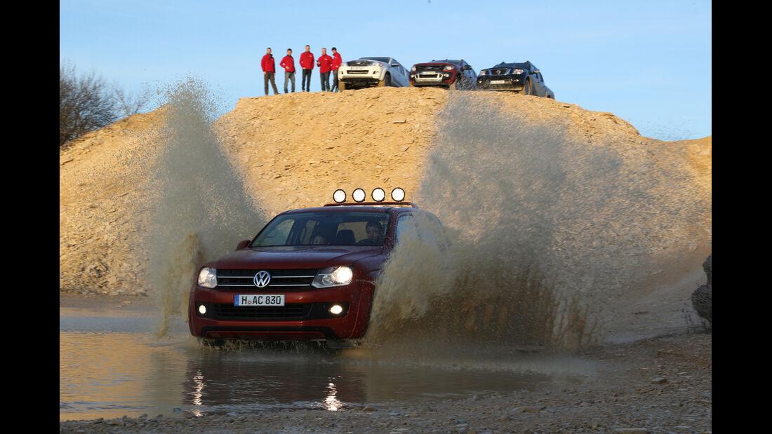 Ford Ranger, Nissan Navara, Toyota Hilux, VW Amarok, Wasserdurchfahrt