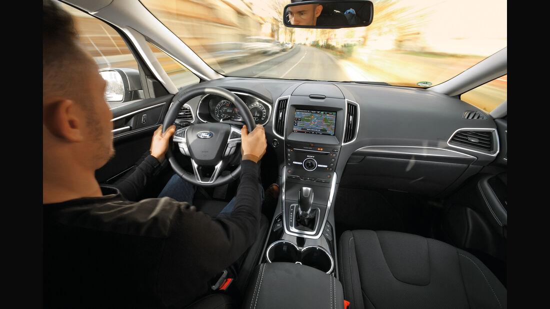 Ford S-Max 2.0 TDCI 4x4, Cockpit, Fahrersicht