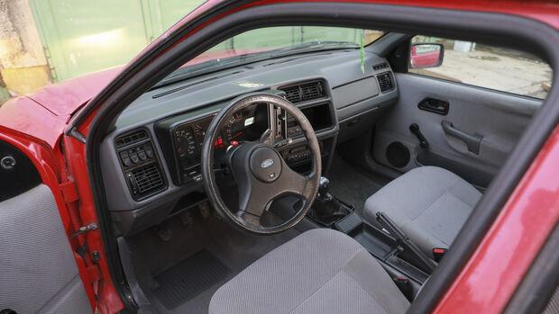 Ford Sierra 2.0i GL, Interieur