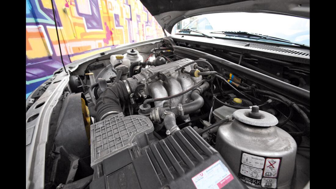 Ford Sierra 2.0i LX, Motorraum