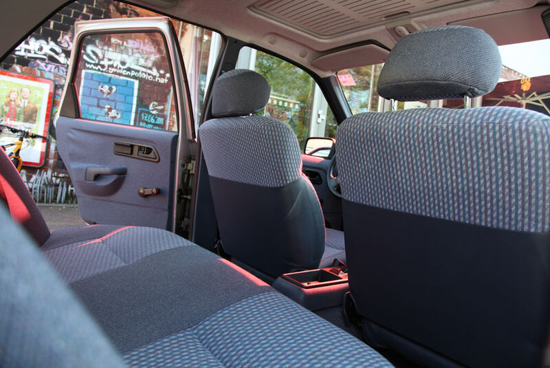 Ford Sierra 2.0i LX, Rückbank, Innenraum