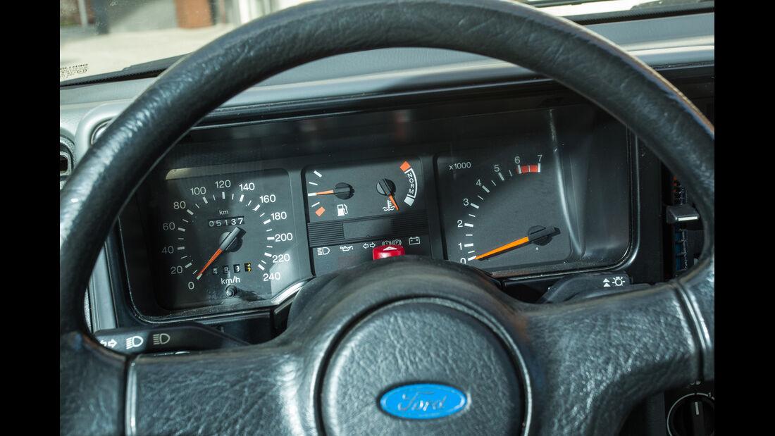 Ford Sierra 2.0i, Rundinstrumente